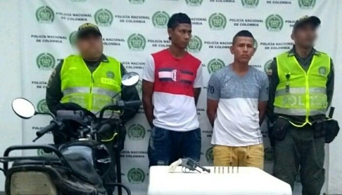 En barrio 27 de Julio de Montelíbano Policía capturó a dos sujetos por porte ilícito de arma de fuego