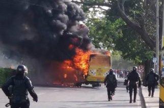 Identificados los dos presuntos implicados en quema de buseta en Unicor