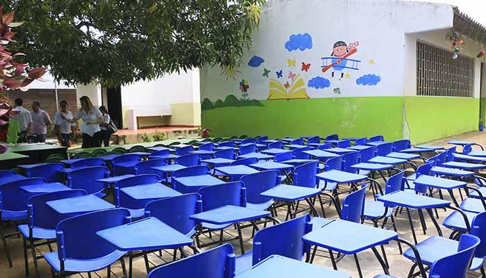 Instituciones Educativas de la zona rural de Montería fueron dotadas con sillas escolares