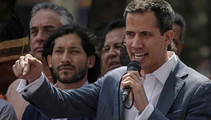 """Venezuela llega a su cuarto día sin servicio eléctrico y Guaidó asegura que """"hoy se dará el gran paso"""""""