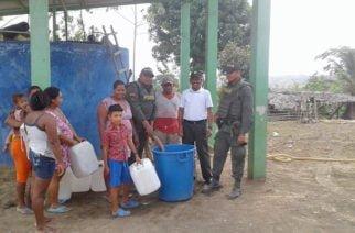 Policía entrega agua en veredas y corregimientos de Córdoba