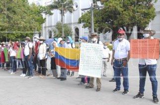 Una semana suman en huelga frente a la Gobernación docentes de Tuchín y San Andrés de Sotavento