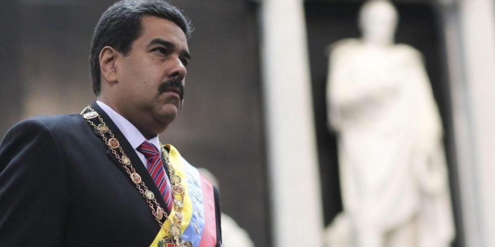 Posesión de Nicolás Maduro fue tildada de ilegítima