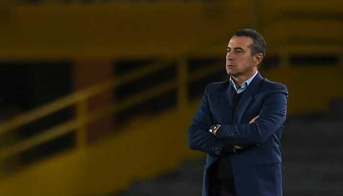A través de un comunicado Santa Fe anuncia la salida del técnico Sanguinetti