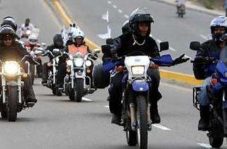 """Alistan borrador de decreto que pondría al trabajo en moto como una """"labor de riesgo"""""""