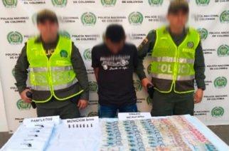 Capturado hombre con panfletos de los 'Caparrapos' en Montelíbano