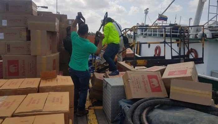 Incautan 800.000 cajas de cigarrillo y 3.500 litros de Old Parr en buque en mar caribe
