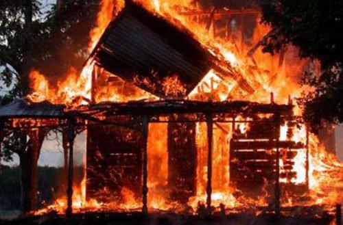 """Incendian vivienda en Cereté y dejan panfleto que decía """"Esto es el comienzo"""""""