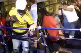 Vídeo: Ladrón que se subió a robar a un bus se llevó también dos puñaladas de pasajero