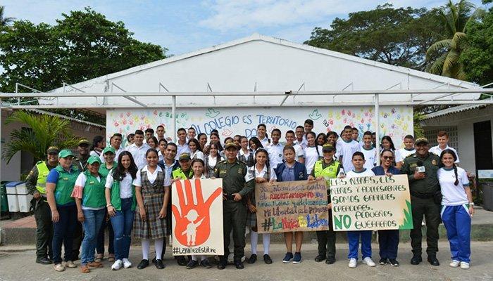 Policía conmemora el día internacional contra el reclutamiento forzado de menores en Montería