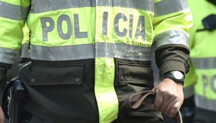 Policías tienen prohibido comprar mercancía en puestos informales
