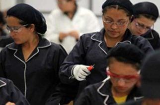 Trabajadores afiliados a cajas de compensación recibirán apoyo económico por 2,1 billones
