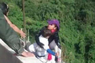 En video: Mujer se lanza de puente en Ibagué con su hijo en brazos