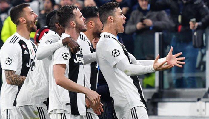 Cristiano Ronaldo marcó un triplete que llevó a la Juventus a los cuarto de la Champions