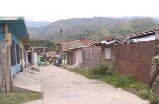 Desde un vehículo en marcha cometen cuádruple homicidio en el Cauca