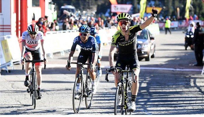 Egan Bernal, segundo en la tercera etapa de la Vuelta a Cataluña