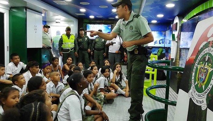 En Planeta Rica buscan promover la convivencia, la tolerancia y el respeto a través de un 'Bus Interactivo'