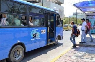 En video: Descubiertos teniendo sexo oral en un bus en Santa Marta