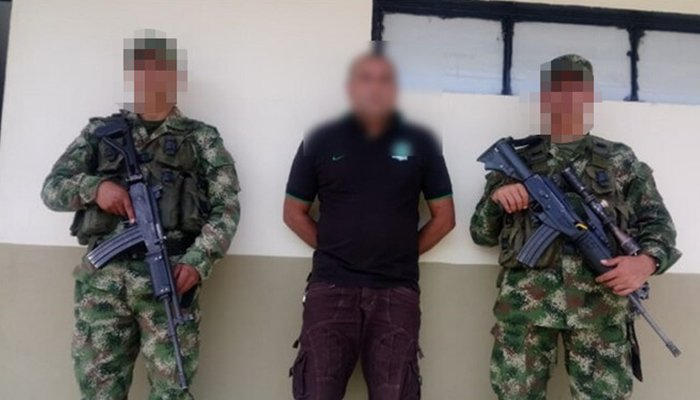 """Le ponen los ganchos a """"Cocoa"""", cabecilla del ELN con circular azul de Interpol"""