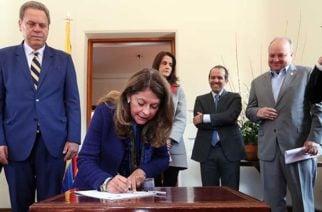 Se firma pacto que asegura la protección de niños y mujeres en el deporte colombiano