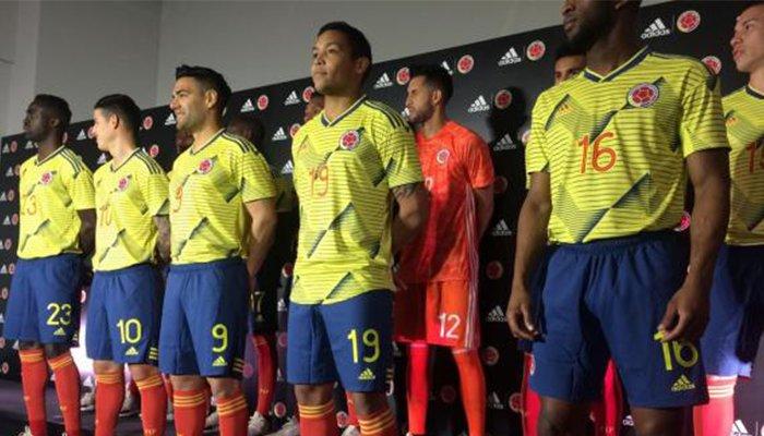 Selección Colombia presentó su nuevo vestuario en Japón.