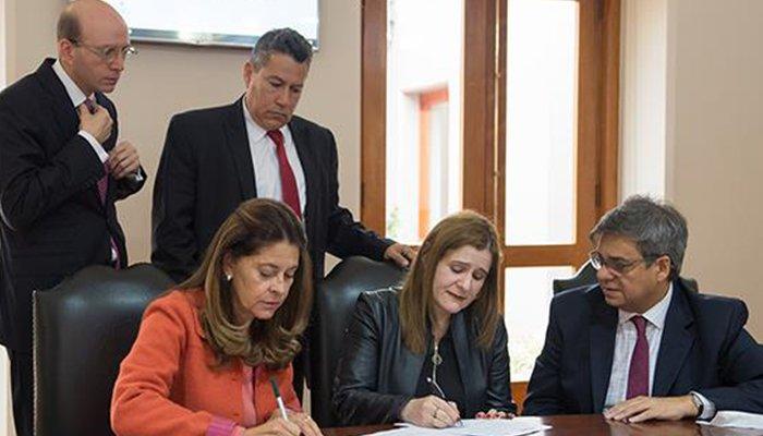 """Vicepresidenta y gobernadora de Córdoba trabajarán por la firma del """"Pacto por Córdoba"""""""