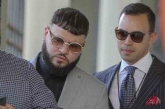 Farruko aceptó cargos por traficar 51.802 dólares