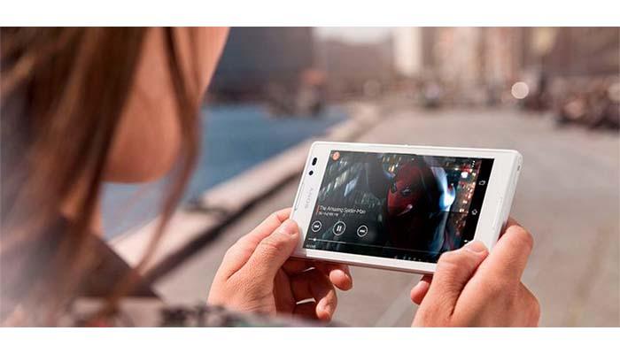 Estos son los mejores celulares para ver tus series y películas favoritas