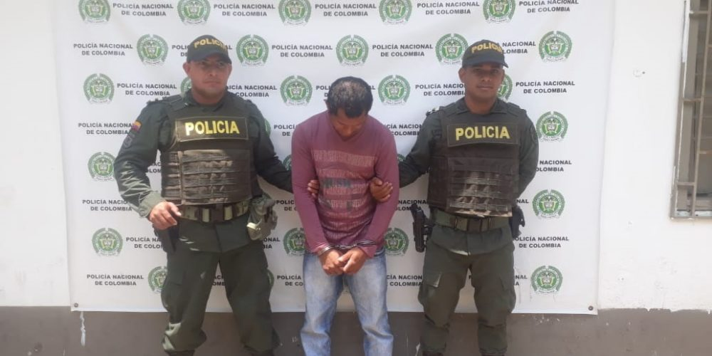 Extorsionaba a comerciante en Montelíbano y fue capturado en flagrancia