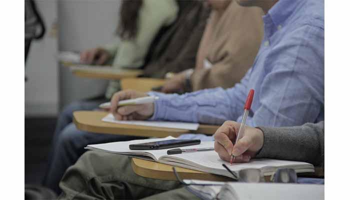 Gobierno entregará 250 becas de estudios a servidores públicos de municipios afectados por el conflicto