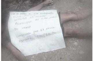 Hallan el cadáver de un hombre con un letrero que lo culpa de la masacre en el Urabá
