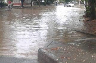 Lluvias en Sábado de Gloria generaron colapso y fallas en el servicio eléctrico
