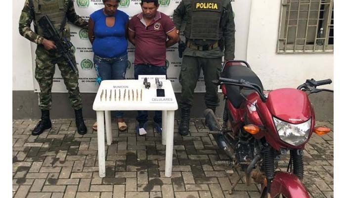 Dos sujetos capturados en Montelíbano por porte ilegal de armas de fuego