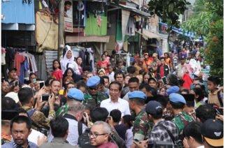 6 muertos y 200 heridos dejan protestas contra reelección de Widodo en Indonesia