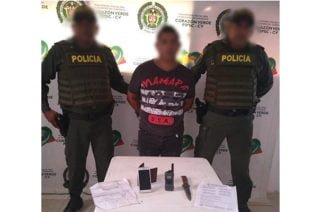 En Puerto Escondido capturan en flagrancia a sujeto que portaba panfletos amenazantes de grupos subversivos