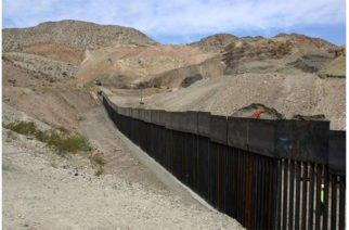 Exmilitares estadounidenses construyen muro privado en frontera con México