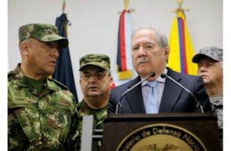 Gobierno colombiano revisa la hoja de vida de 11 generales