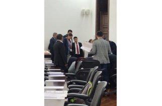 Senador José Obdulio Gaviria sufrió un infarto en plena sesión en el Congreso