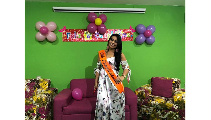 La Piragua de fiesta ¡Feliz Cumpleaños Dra. Angélica Verbel!