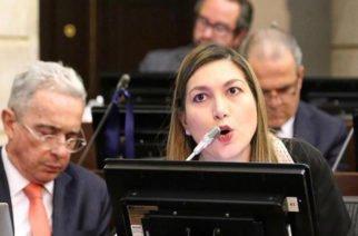 Senadora Chagüi confirma  convenio entre Gobernación e Invias que destinará 5 mil millones para la vía Santa Lucía  – Moñitos