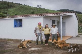 En Córdoba MinAgricultura  entregó viviendas a familias  en la zona rural