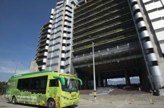 Ya comenzó a  operar el primer busetón eléctrico del país