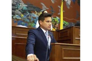 """""""Trabajamos para que regiones mineras reciban mayores regalías"""": Congresista Andrés Calle"""
