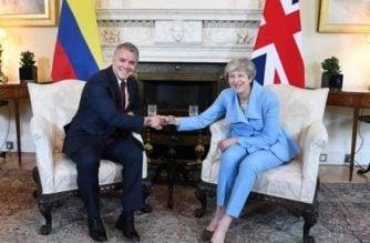 """""""No se puede construir un paz duradera con expansión de cultivos ilegales"""": Duque desde Londres"""