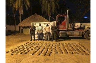 Caleta descubierta: Localizan 143 kilos de cocaína a bordo de un camión en la vía Puerto Rey-Montería
