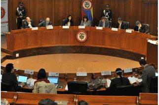 Corte Constitucional ratifica revelar órdenes de detención a través de los medios de comunicación