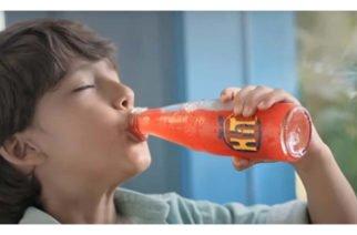 Este es el comercial de Postobón por el que hoy enfrenta cargos por publicidad engañosa
