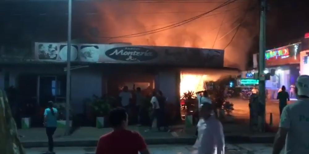 VIDEO: Restaurante de asados de la calle 41 se incendió la madrugada de este sábado