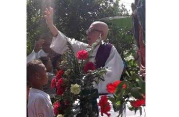 Llora Montelíbano tras la muerte del presbítero Héctor Giraldo