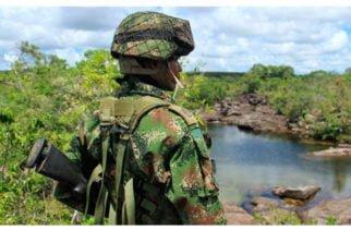 Petro advierte de alto número de suicidios dentro del Ejército y la Policía Nacional
